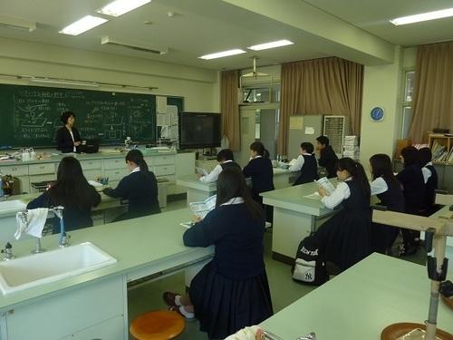 P1320022(2)_生物教室.jpg
